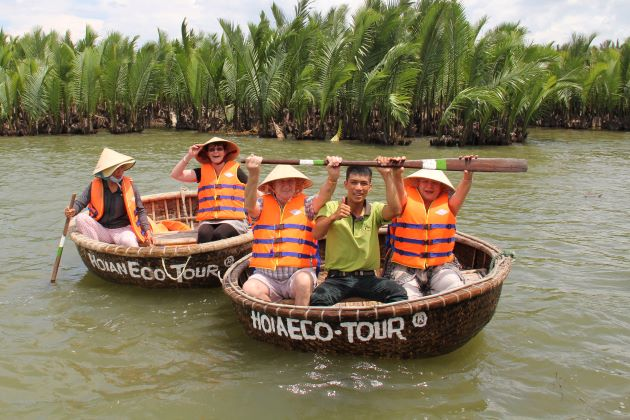 bamboo basket boats in hoi an luxury travel company in vietnam