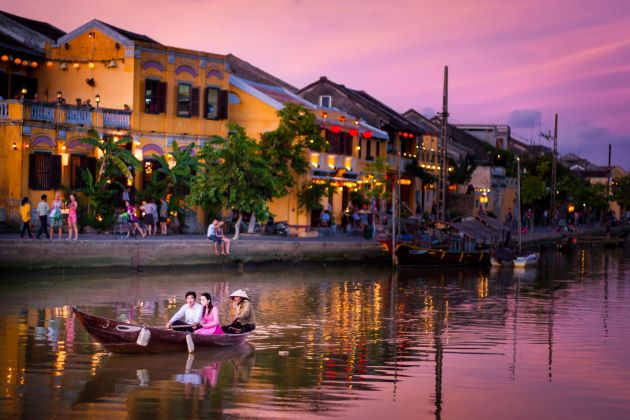 best time to travel hoi an vietnam