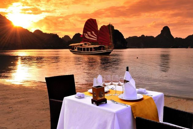 enjoy romantic dinner at halong bay in vietnam luxury vacation