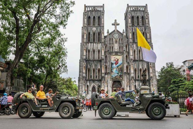 explore hanoi old quarter by jeep