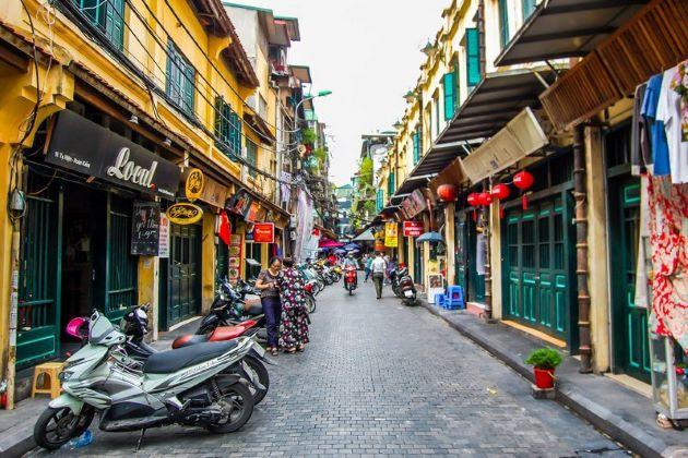 explore hanoi old quarter