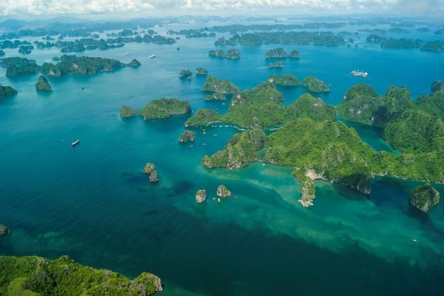 hanoi to halong bay by private seaplane