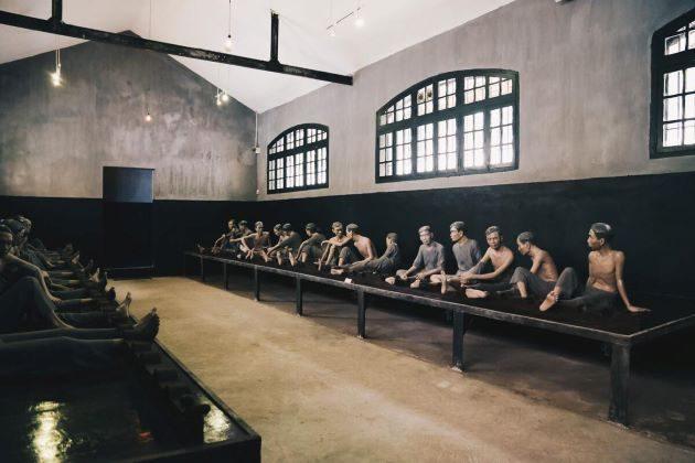 hoa lo prison museum