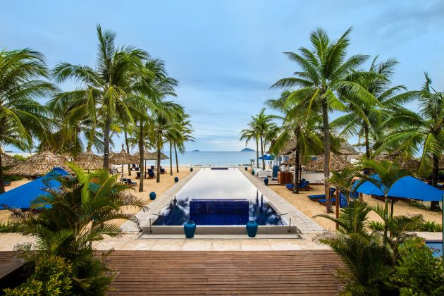 hoi an luxury beach resort for honeymoon package