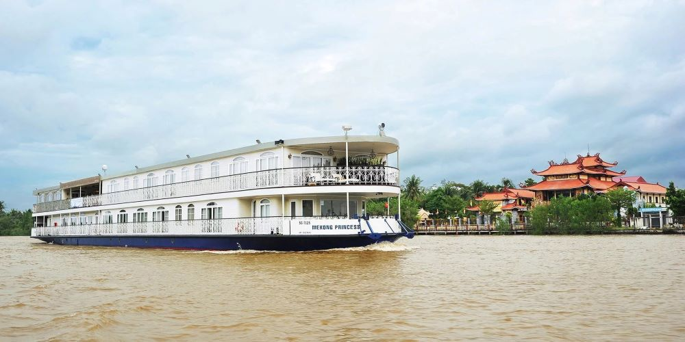 luxury mekong river cruise 2020 and 2021