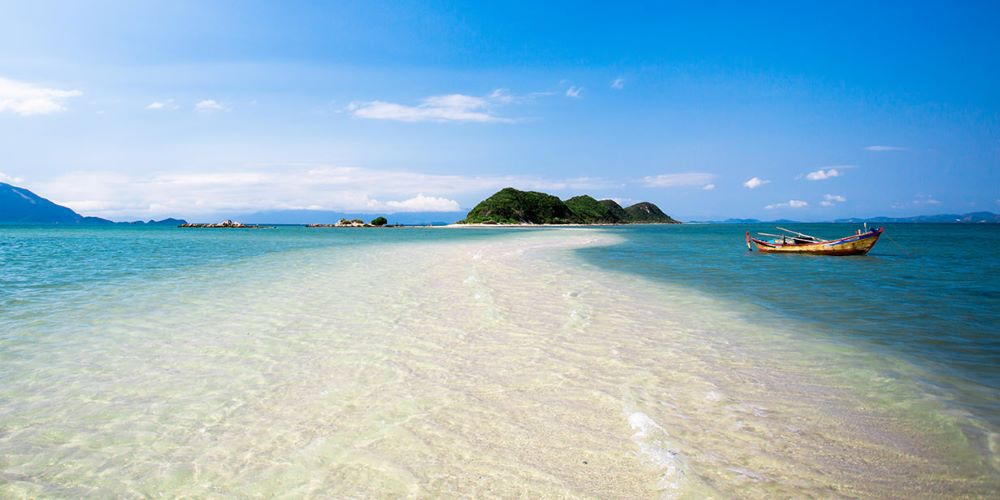 luxury vietnam beach holidays