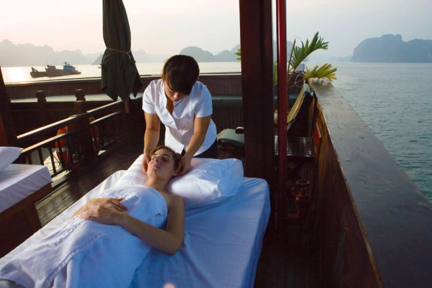massage in halong bay