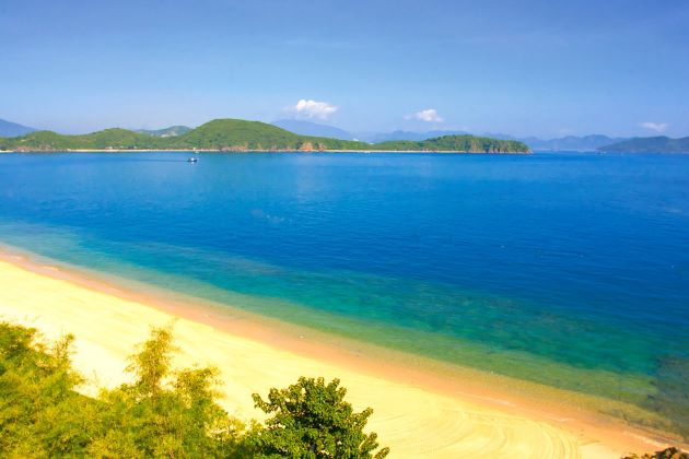 nha trang vietnam beach holidays