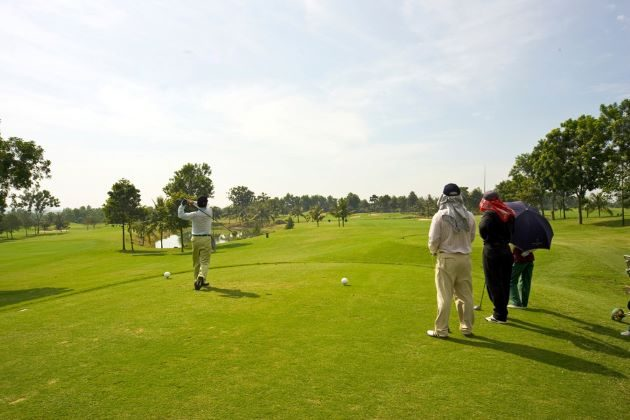 play golf at vietnam country and golf club