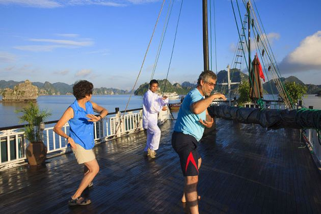 practice tai chi lesson at halong bay