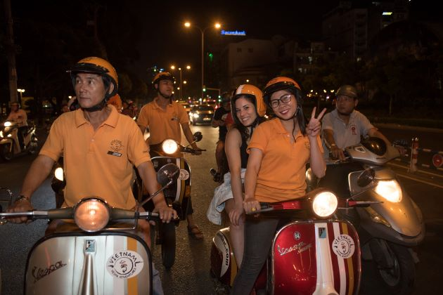 saigon city tour by vespa