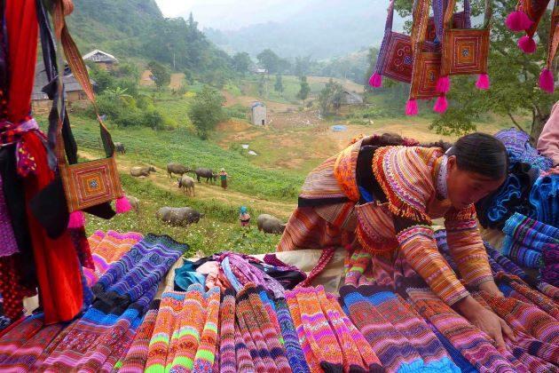 sapa colorful market