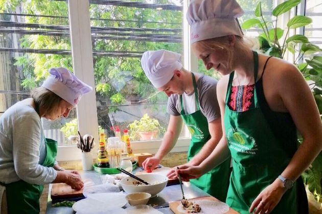 taking a cooking class at hanoi is one of amazing luxury experiences in VIetnam