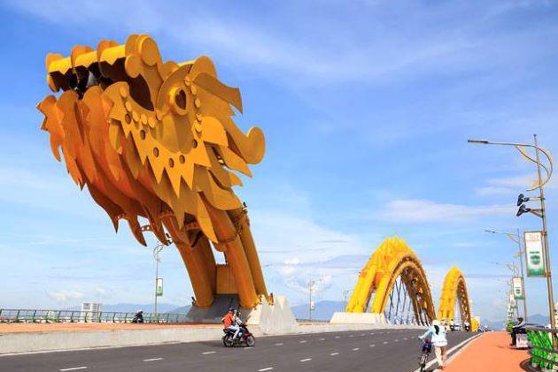 the dragon bridge in danang