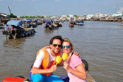 visit cai rang floating market for Vietnam Luxury Honeymoon Packages
